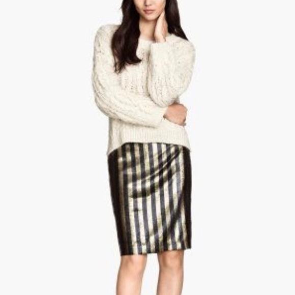 H&M Dresses & Skirts - H&M black and gold sequin pencil skirt